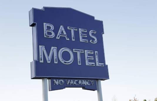 bates-motel-trailer-3