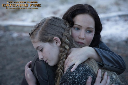 the-hunger-games-catching-fire-willow-shields-jennifer-lawrence