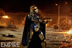 star-wars-7-the-force-awakens-captain-phasma-image-600x399