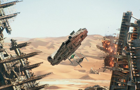 star-wars-the-force-awakens-millennium-falcon-image aaa