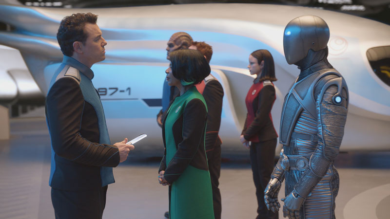 THE ORVILLE: L-R: Seth MacFarlane, Penny Johnson Jerald, Scott Grimes, Peter Macon, Halston Sage and Mark Jackson in THE ORVILLE premiering this fall on FOX. ©2017 Fox Broadcasting Co. Cr: FOX