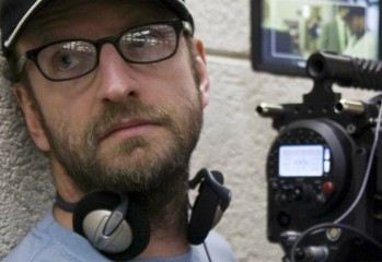 Soderbergh-directing-The-Informant-1-1200x520