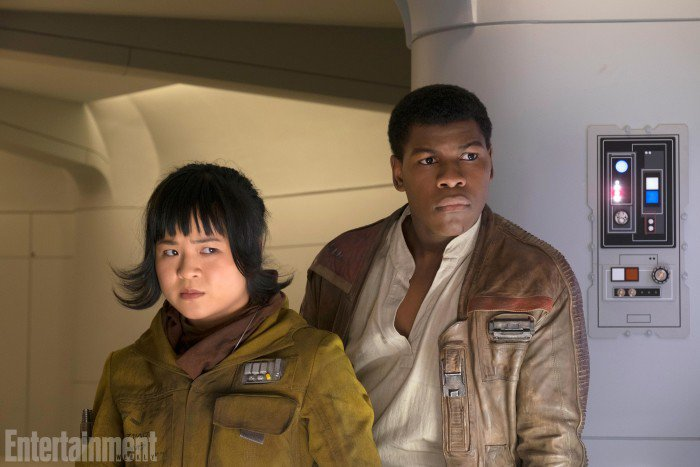 star-wars-the-last-jedi-finn-and-rose-700x467