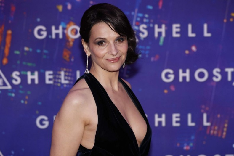juliette-binoche-arrives-at-ghost-in-the-shell-premiere-in-paris-03-21-2017_4