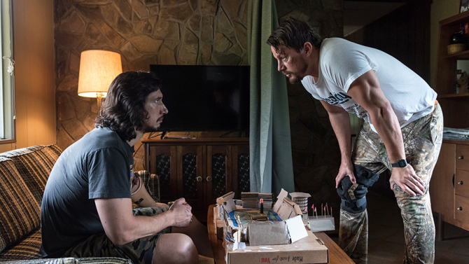 LL_00055 Adam Driver stars as Clyde Logan and Channing Tatum as Jimmy Logan in Steven Soderbergh's LOGAN LUCKY, a Fingerprint Releasing and Bleecker Street release. Credit: Claudette Barius / Fingerprint Releasing | Bleecker Street