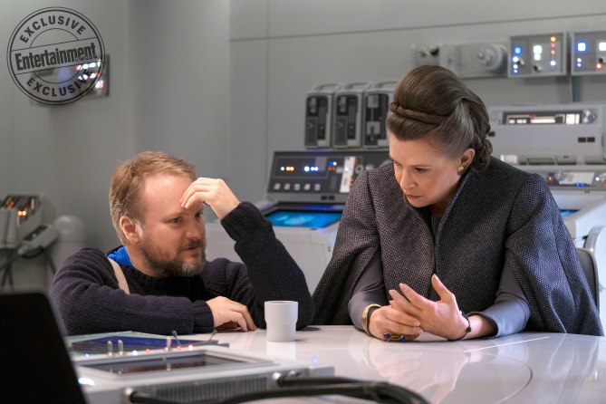 STAR WARS: THE LAST JEDI Rian Johnson and Carrie Fisher on set Credit: David James/© 2017 Lucasfilm Ltd.