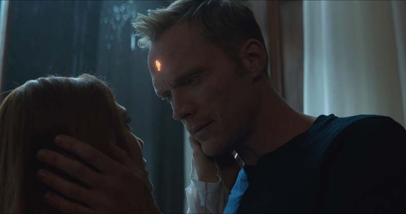 Marvel Studios' AVENGERS: INFINITY WAR..L to R:  Witch/Wanda Maximoff (Lizzie Olsen) and Vision (Paul Bettany)..Photo: Film Frame..©Marvel Studios 2018
