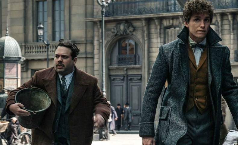 landscape-1515147630-jacob-and-newt-fantastic-beasts-2