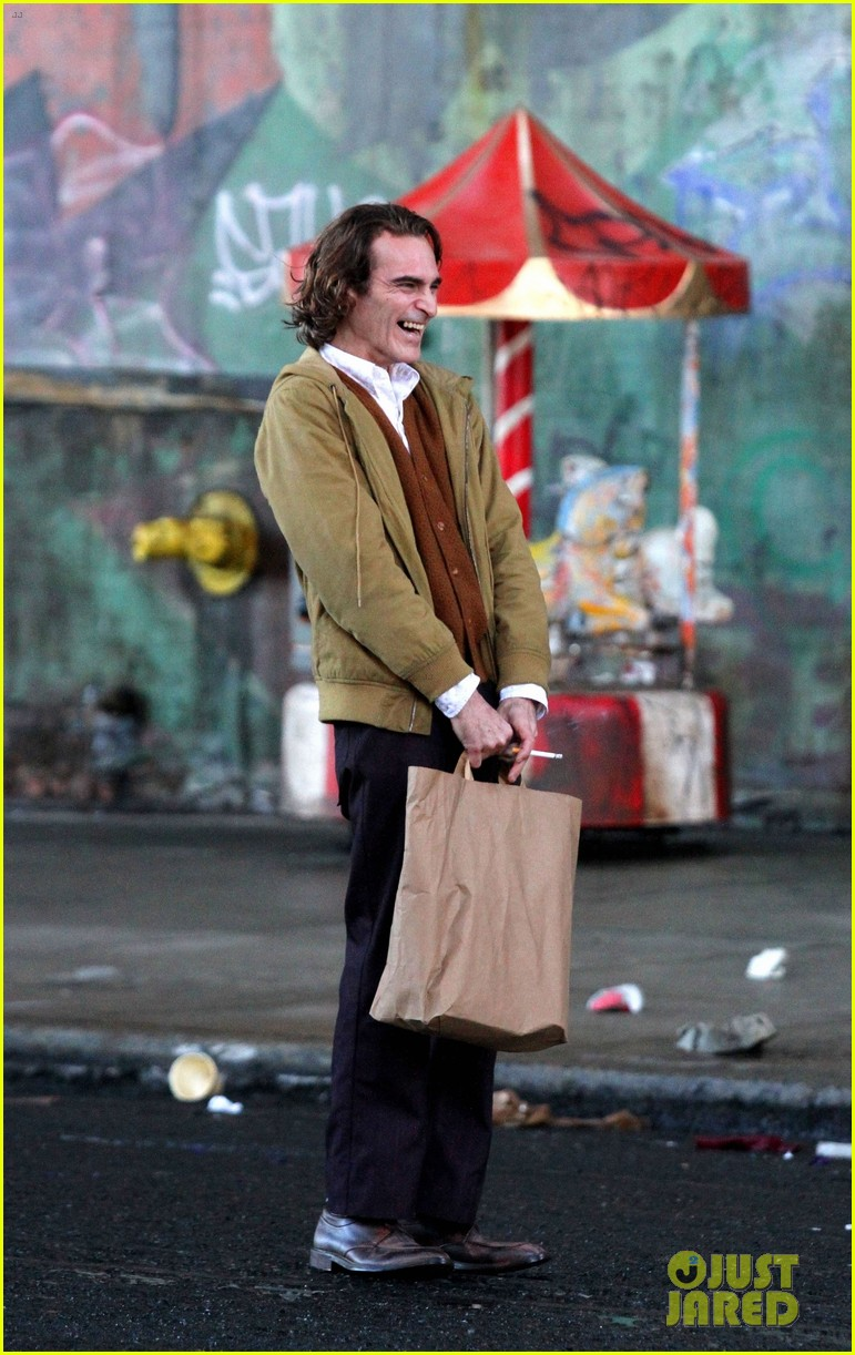 joaquin-phoenix-the-joker-movie-03