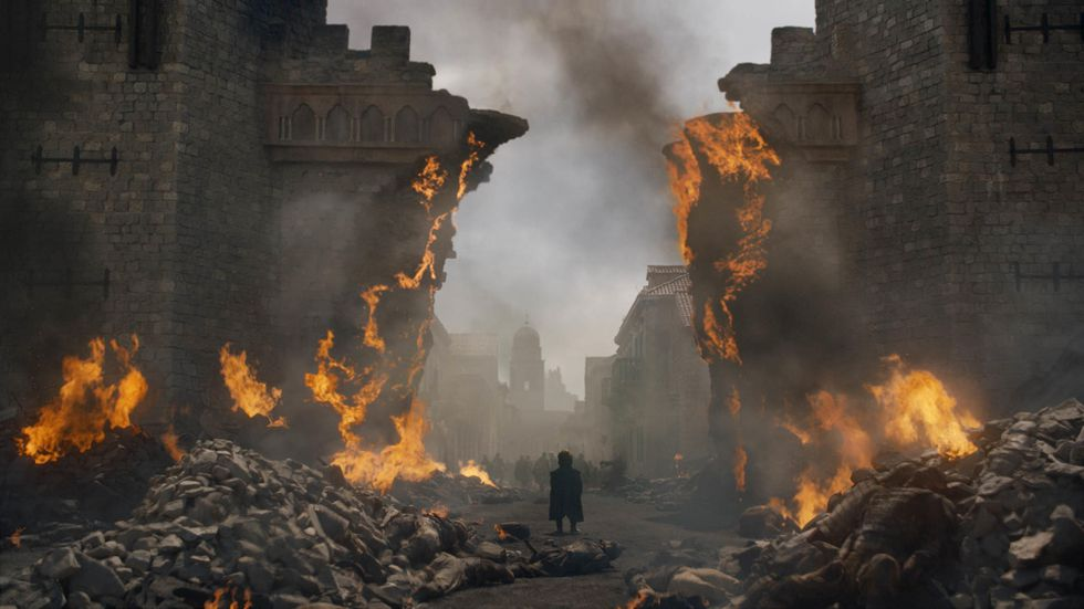 game-of-thrones-season-8-episode-5-tyrion-in-wreckage