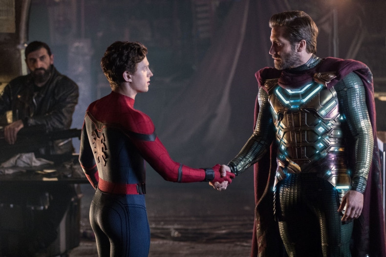 spider-man-far-from-home-peter-mysterio_1557401363836