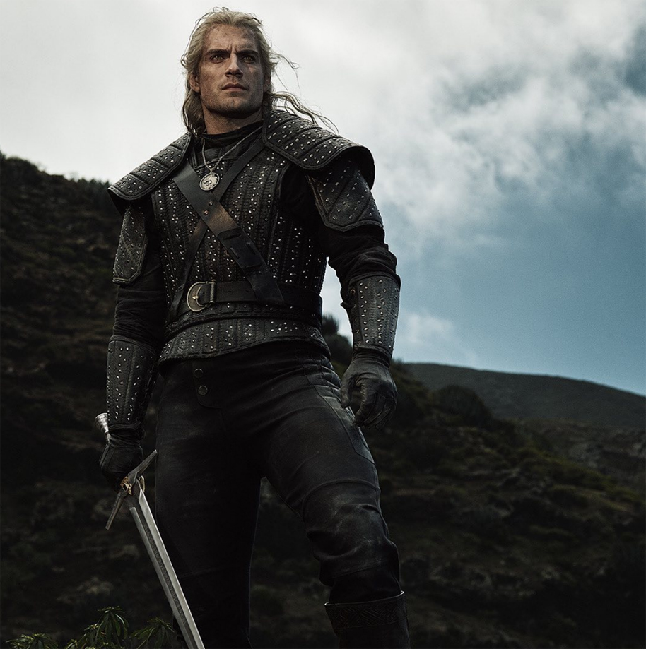 witcher-cavill-front