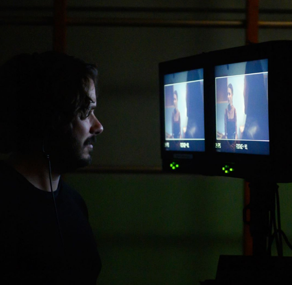 edgar-wright-last-night-in-soho-monitors